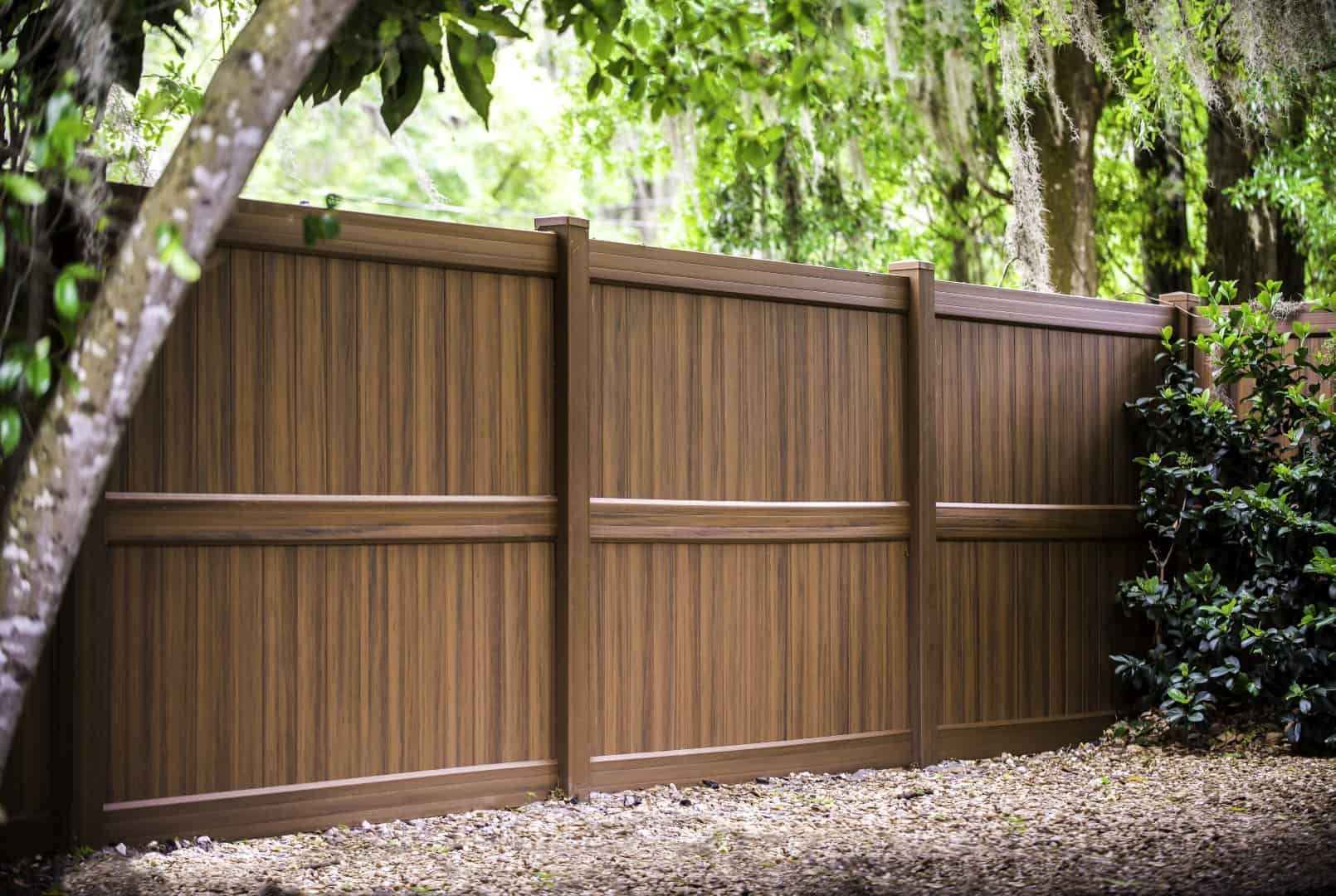 Things to Consider when Hiring a Fencing Company - SafeThinker