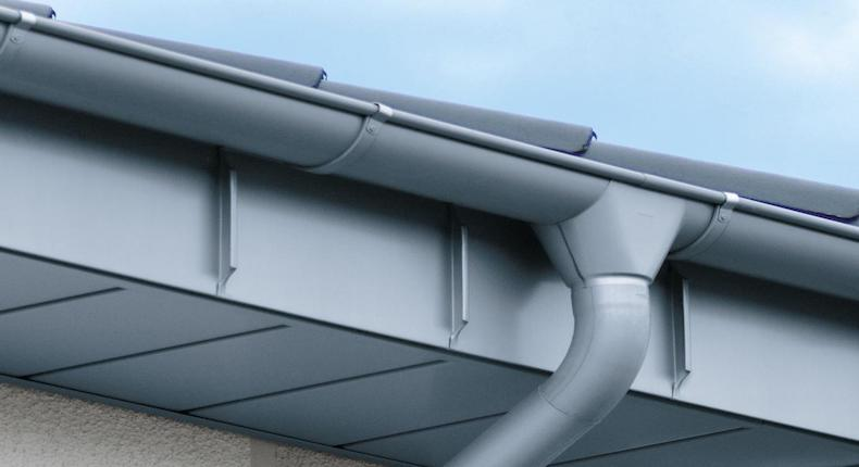 Gutters: How to Choose, Install and Clean Them