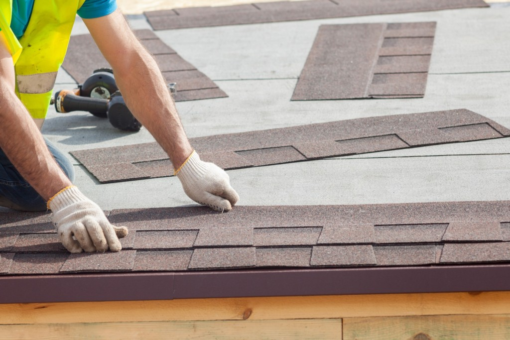 LOOKING FOR COMMERCIAL ROOFING SYSTEMS?