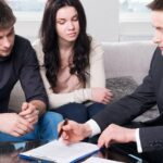 Advantages and disadvantages of using an insurance broker